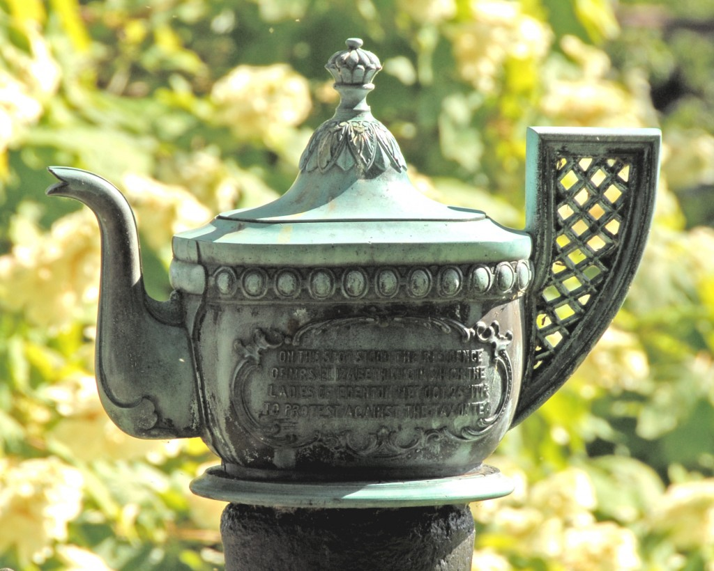 Bronze teapot - back side